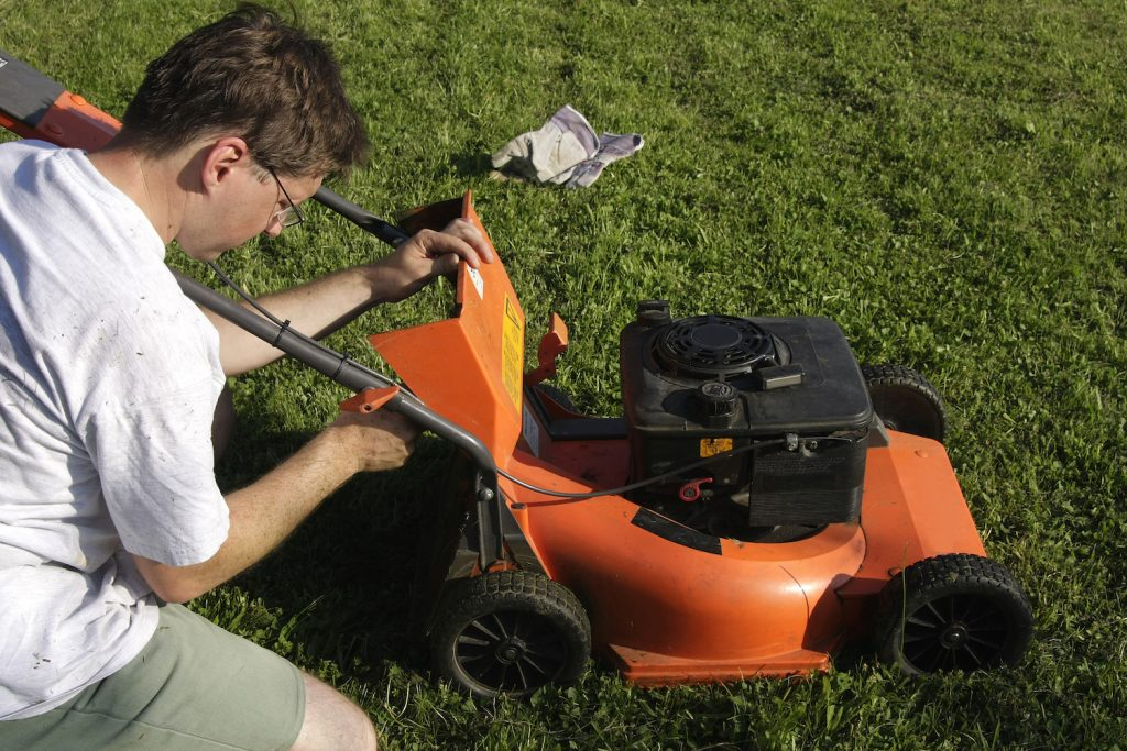 Lawn Mower Maintenance You Probably Aren't Doing But Should Be